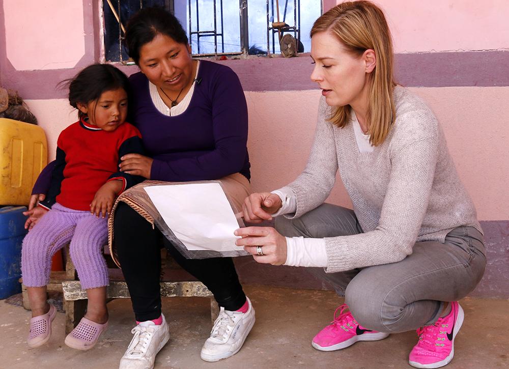 Nenäpäivä 2017: Uutistoimittaja Piia Pasanen kävi tutustumassa lasten elämään Boliviassa ...